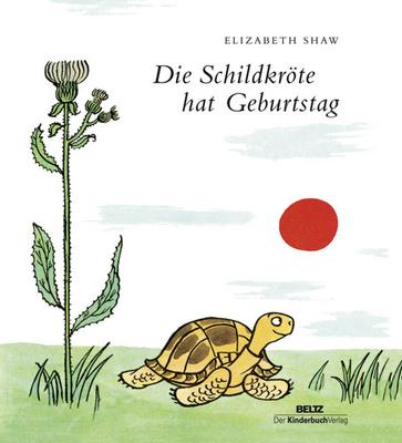 Die Schildkröte hat Geburtstag - der Elefant einen Eimer Wasser. Und so geht es bis zum Abend. Da hört die Schildkröte eine kleine Stimme. Es ist die Maus mit einem gro�en Paket ... Neuauflage