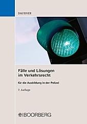 Fälle und Lösungen im Verkehrsrecht - eBook - Robert Daubner,