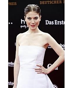 Nora Waldstetten