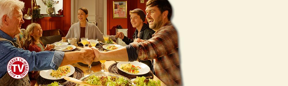 #Der beste Ort der Welt - jetzt in unserer TV-Werbung#  Zu Hause ist einfach alles: Trainingsplatz, Leseinsel, Kochstudio ... Jeder kann seiner Lieblingsbeschäftigung nachgehen – und beim Kochen und Essen versammelt sich dann die ganze Familie. Einfach herrlich. Weltbild hat die richtigen Ideen für Menschen, für die zu Hause der beste Ort der Welt ist.     [- Hier geht's zum TV-Spot](#themenwelten-tv-werbung-layout-neuer-tv-spot-layout-text-video-neuer-tv-spot)    [- Zu den Angeboten aus der TV-Werbung](#themenwelten-tv-werbung-layout-neuer-tv-spot-artikelliste-neuer-tv-spot)