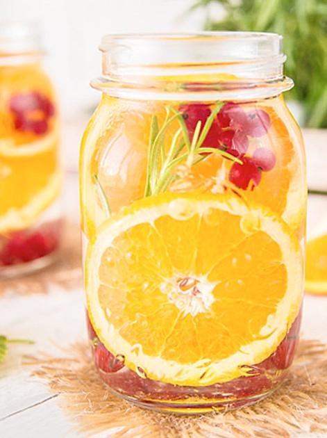 Rezept für Johannisbeer-Rosmarin-Wasser