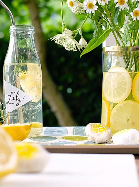 Frisch auf den Tisch: Dekorieren Sie doch einfach mal mit Zitronen!