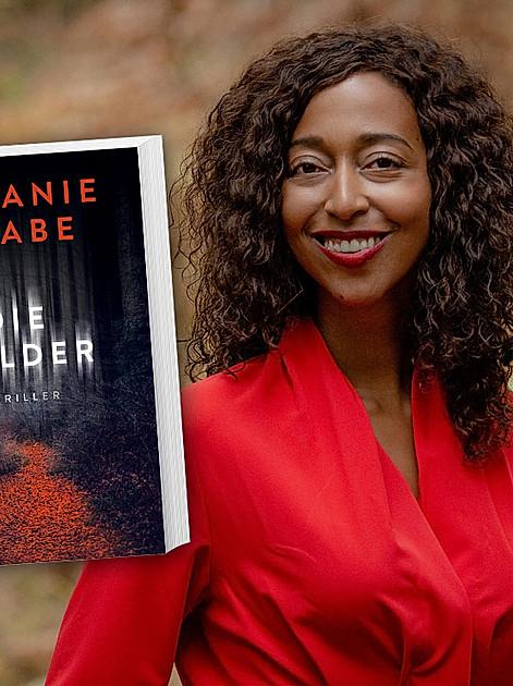 """""""Die Wälder"""" heißt der 4. Thriller von Melanie Raabe"""