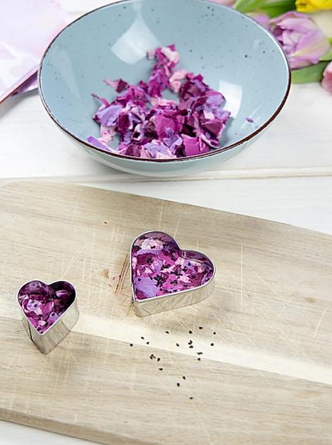 Herzige Grüsse: Samenbombe aus Blumensamen selber machen