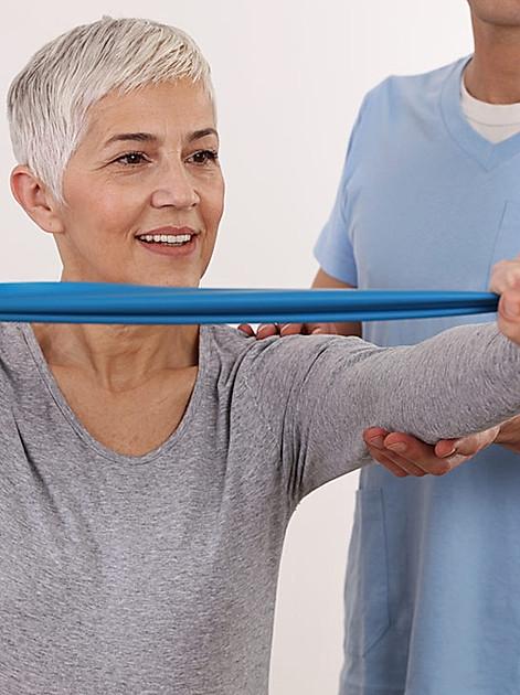 Starke Knochen: Mit Bewegung und richtiger Ernährung Osteoporose vorbeugen