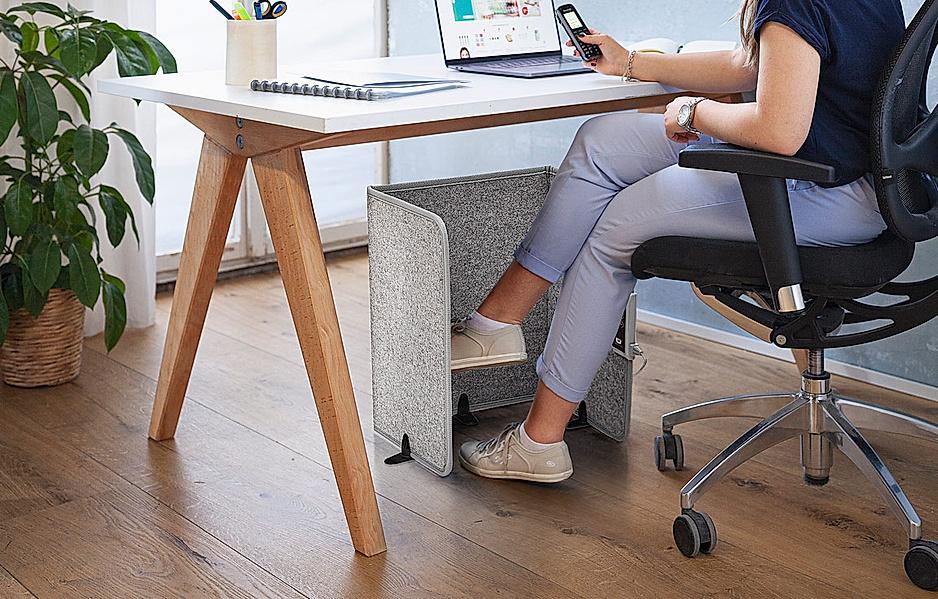 Wärmt die Füße und Beine beim langen Sitzen im Büro, während des Essens oder bei Handarbeiten am Tisch
