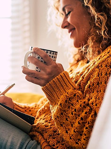 Achtsamkeit üben und positive Gedanken über den Tag sammeln