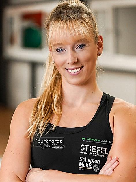 Fit ins neue Jahr starten: Profi-Turnerin Janine Berger zeigt wie's geht und gibt Tipps zum Durchhalten