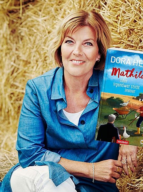 """Bestsellerautorin Dora Heldt über ihre Dorf-Krimi-Komödie """"Mathilda""""."""