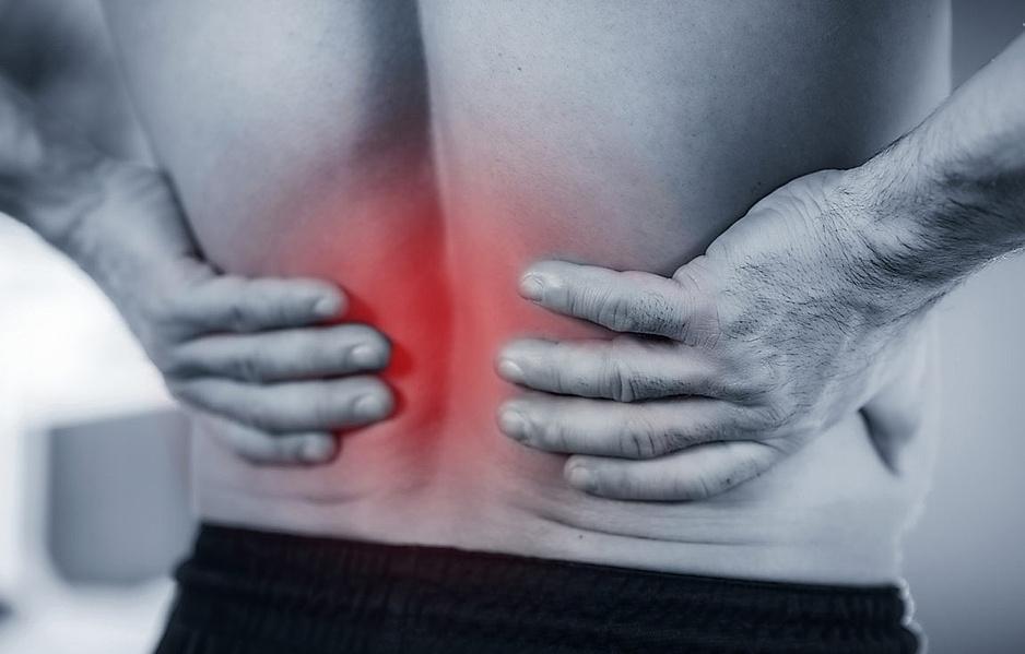 Rückenschmerzen - oft sind verklebte Faszien der Auslöser