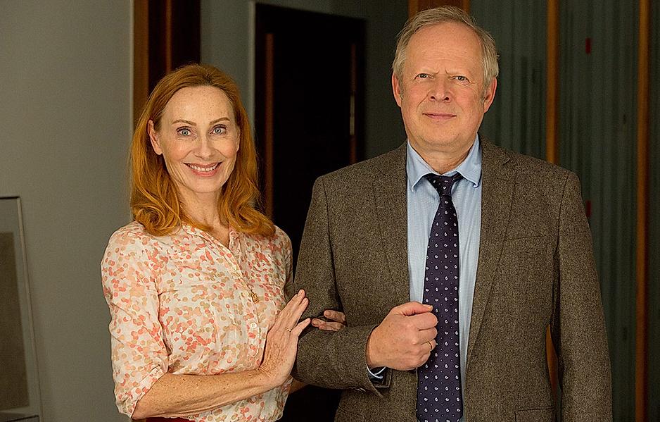 Andrea Sawatzki und Axel Milberg verkörpern in den turbulenten Verfilmungen der Bundschuh-Reihe das Ehepaar Gundula und Gerald