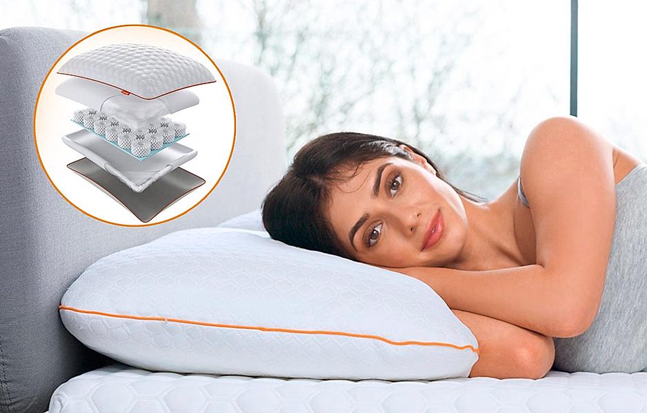 OCTAsleep Smart Kissen: Frau liegt entspannt im Bett auf dem für Sie richtigen Schlafkissen