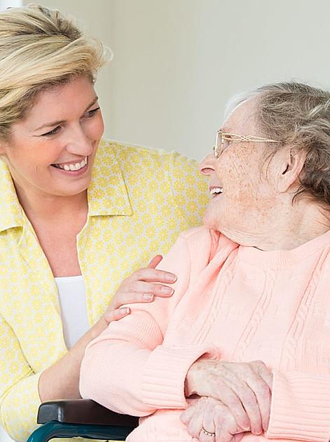 Angehörige pflegen: Das sollten Sie wissen