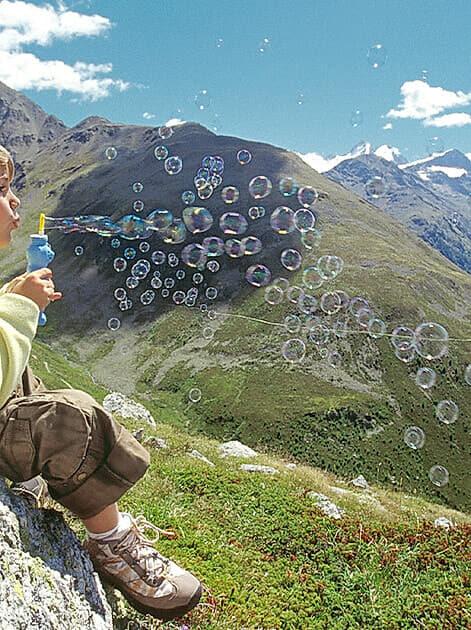 Der Weltbild Fotoservice und CEWE präsentieren die Gewinner des Fotowettbewerbs «Mini Heimat»