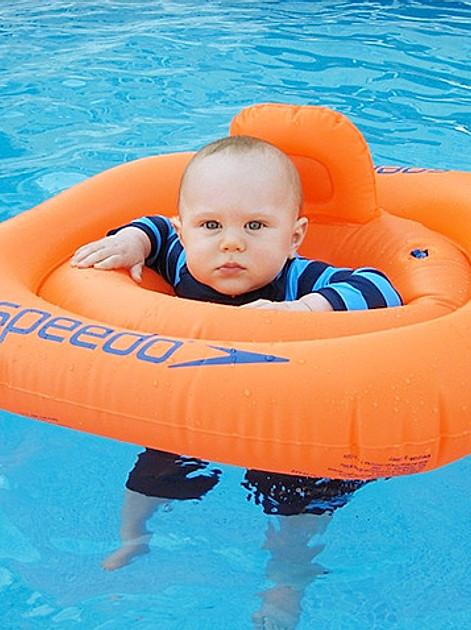 Ratgeber zum Thema Babyschwimmen
