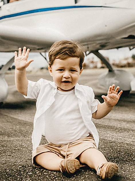 Hinweise & Tipps zur Flugreise mit Baby & Kleinkind.