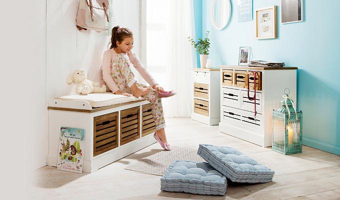 Stimmungsbild Flur mit hellen Möblen