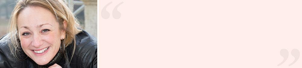 """""""Hoffnungslos romantisch""""Patrizia L. (Weltbild-Kundin) meint:  *""""… das muss ich wohl sein, denn von dieser Edition bekomme ich einfach nicht genung. Ich verschlinge buchstäblich einen Titel nach dem anderen. Mit starken Charakteren, voller großer Gefühle, überraschender Wendungen, Intrigen und verführerischer Spannung. Zudem ziehen mich die rasanten Abenteuer, die atemberaubenden Naturkulissen und nicht zuletzt die furchtlosen Kämpfer und die von ihnen begehrten Frauen in den Bann. Für mich der beste Lesespaß überhaupt – kein Wunder, dass die meisten Bände dieser Edition im Handel längst vergriffen sind.""""*"""