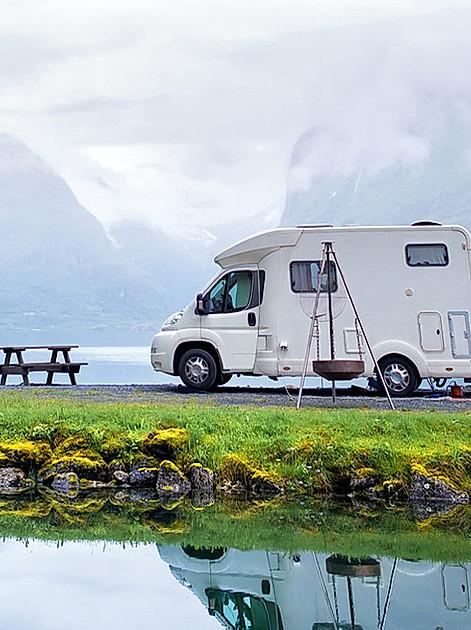 Mit der richtigen Ausrüstung ein unvergessliches Abenteuer: Was muss mit zur Campingreise?